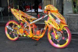 Bedah Rahasia Racikan Motor Balap Racing!