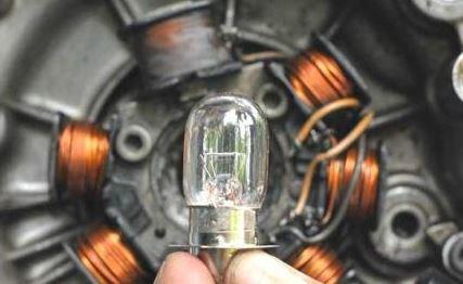 Perbaiki Lampu Motor Mati? Ketahui Dulu Kelistrikannya AC atau DC